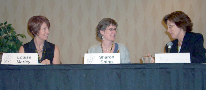 Louise Marley (left), and Kay Kenyon (right) are interviewing Sharon Shinn, Guest of Honor at the ArmadilloCon 2004