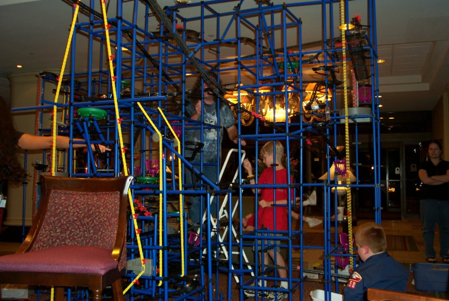 The Chaos Machine in the hotel lobby at the Linucon 2004