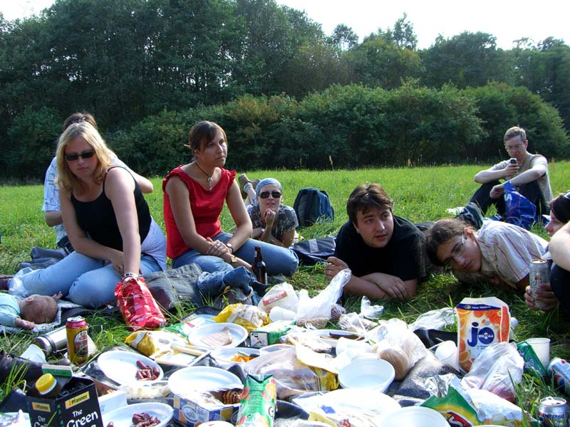 Picnicking in Puckoriai on the grass, September 2005