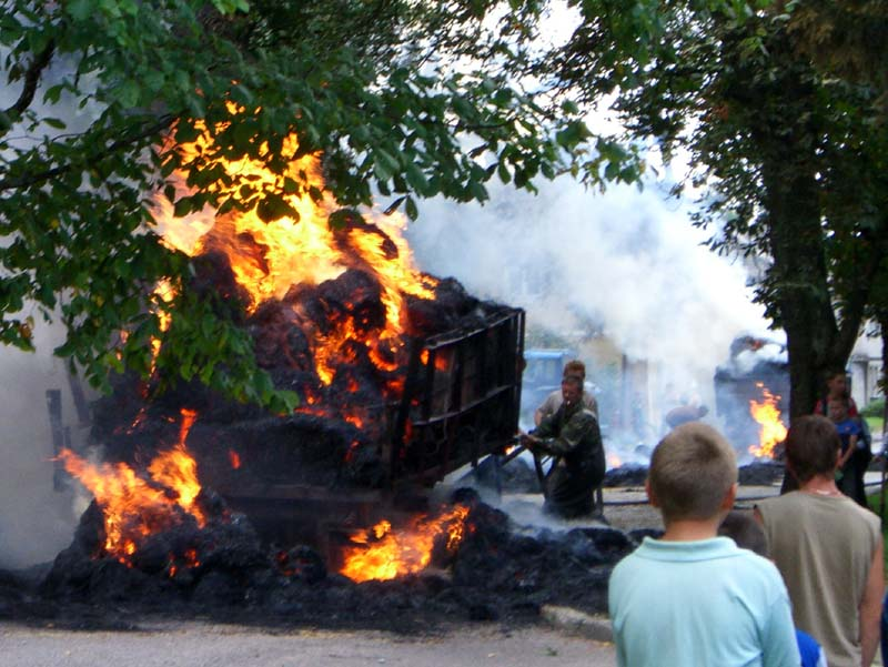 A burning truck in Kintai, September 2005