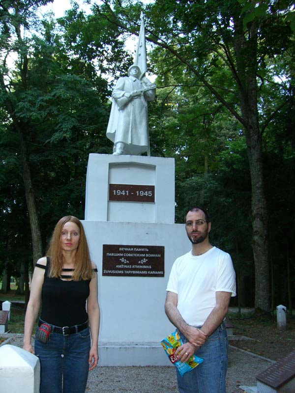 A monument to Soviet troops in Raudone, Lithuania, September 2005