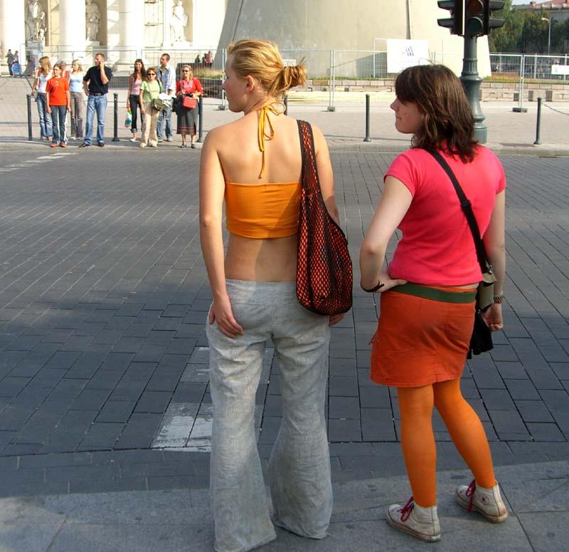 Orange and red: Vilnius street fashion, September 2005