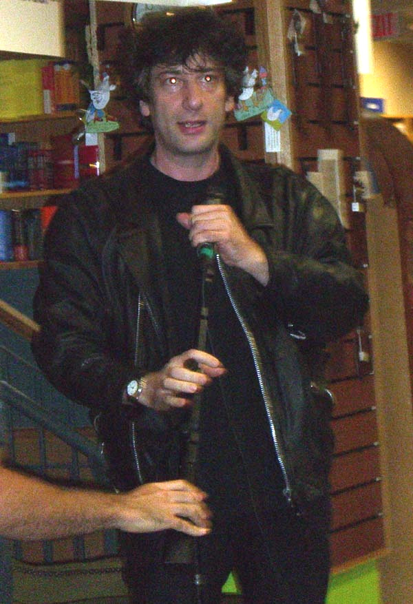 Neil Gaiman book reading at Book People in Austin, TX, September 2005