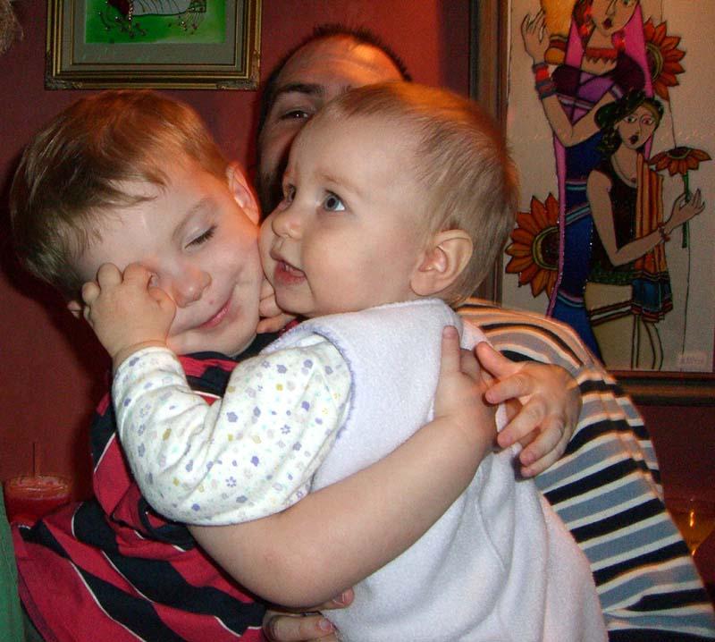 SH hugs E, December 2005