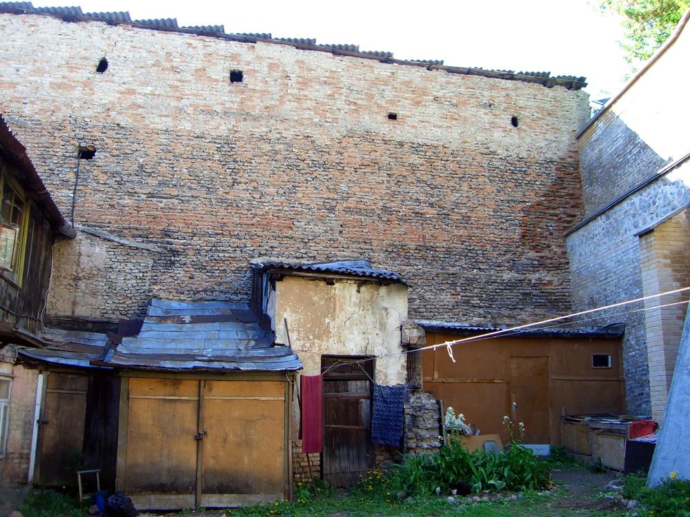 Sheds in an Uzupis courtyard