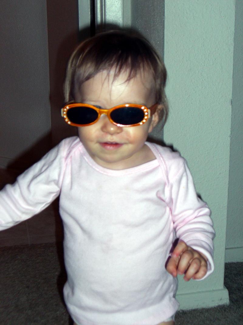 E in sunglasses