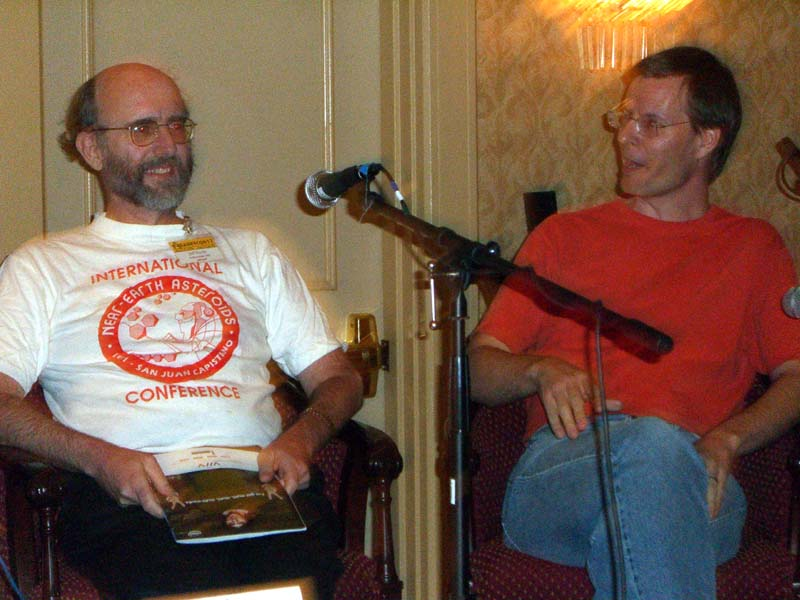Jeff Hecht (left) and Karl Schroeder at Readercon 2006