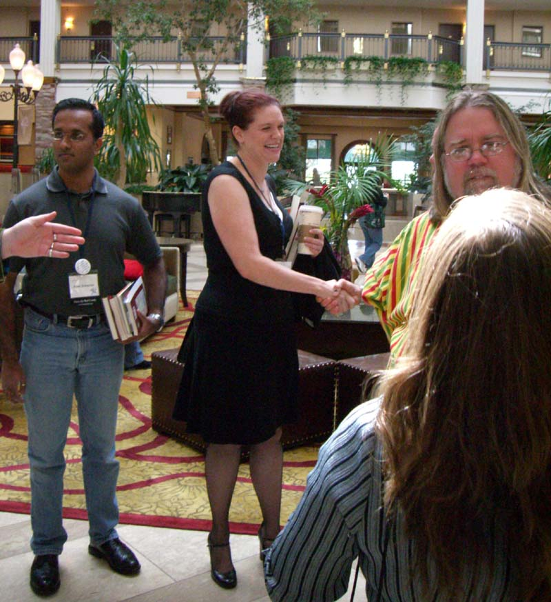 World Fantasy Convention 2006, Friday: Jay Lake (right) and other people