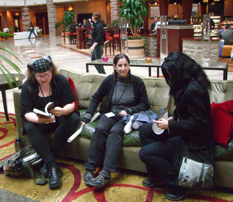 World Fantasy Convention 2006, Friday: MKH (left) and JR (center)