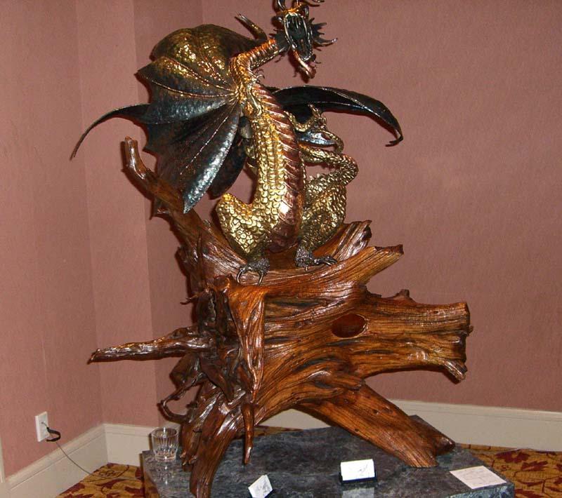 World Fantasy Convention 2006: dragon sculpture