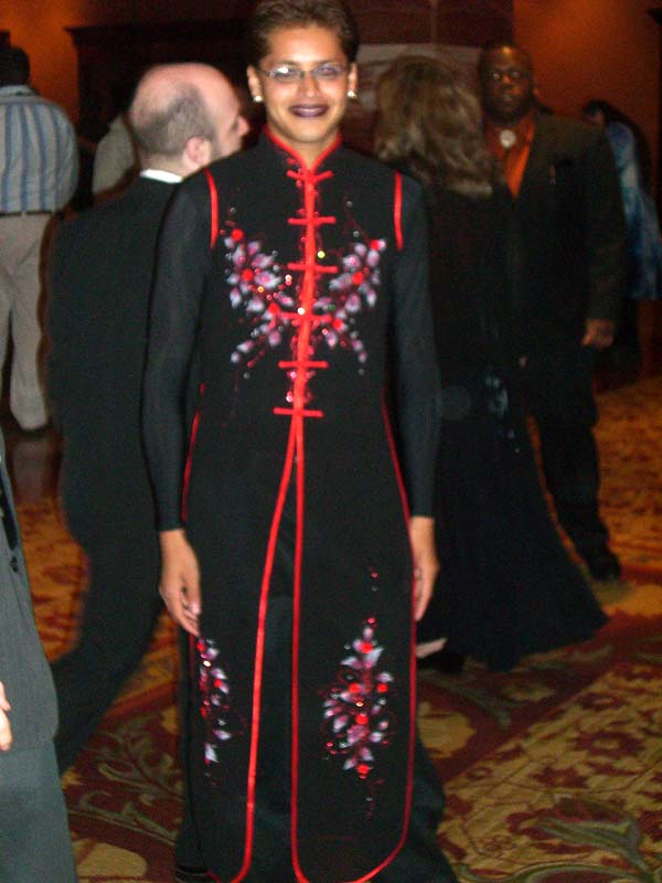 World Fantasy Convention 2006: a person in a stunning dress