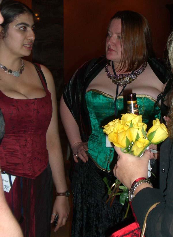World Fantasy Convention 2006, Saturday: Leah Bobet (left) and Elizabeth Bear