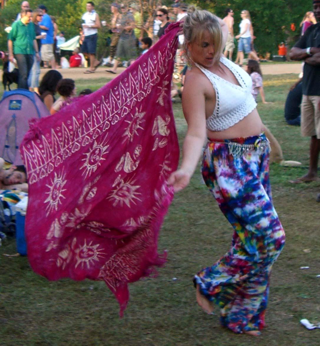 Dancer with a veil at Eeyore's Birthday 2007