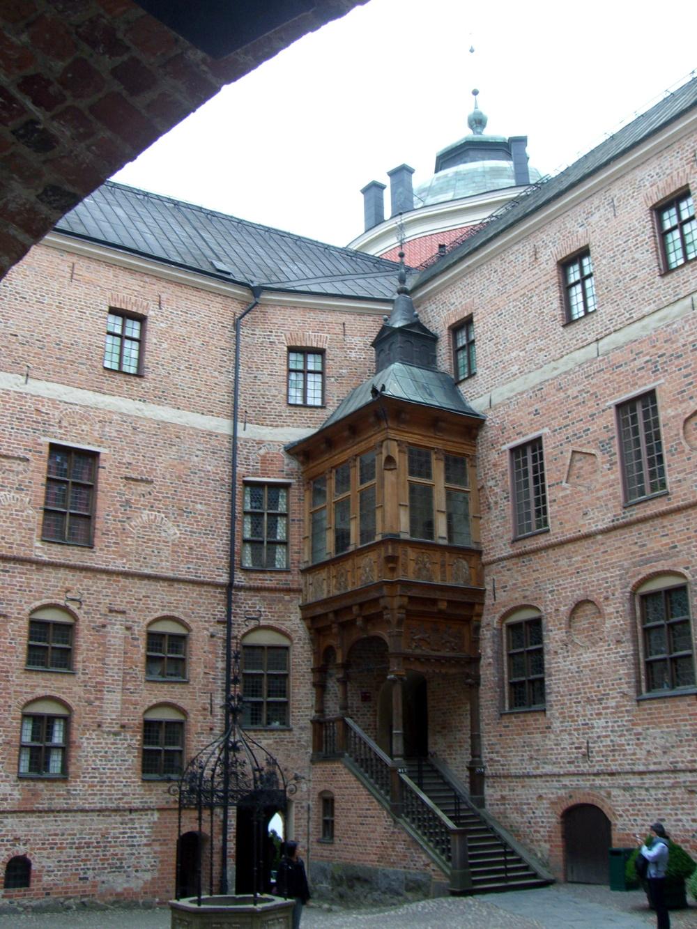 Gripsholm castle courtyard